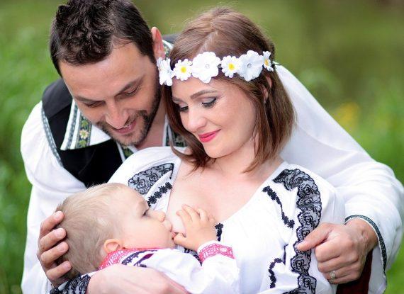 family-1350742_1280